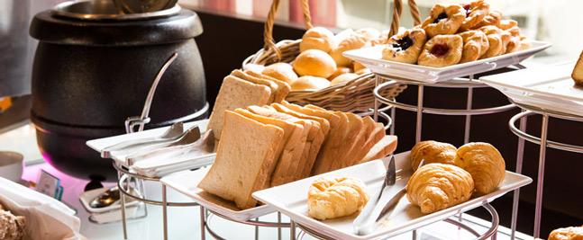 petit-dejeuner-complet-hotel-grand-parc