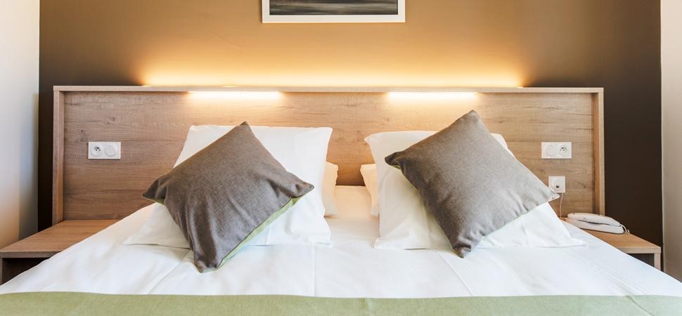 hotel-grand-parc-chambre-lit